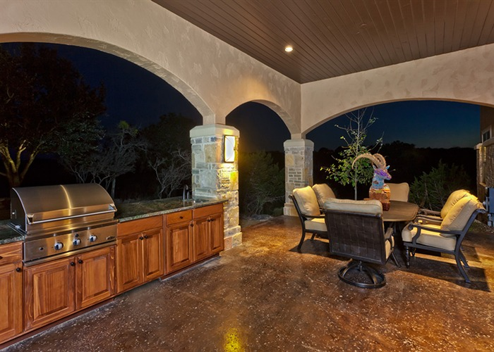 Cordillera Trophy Room Outdoor Grilling Area