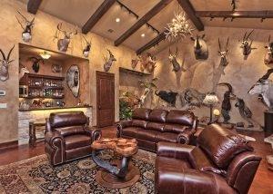 Cordillera Trophy Room: Hunter's Retreat
