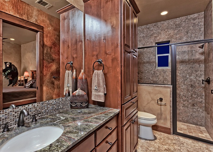 Cordillera Trophy Room guest bathroom