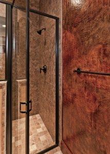 Cordillera Trophy Room enclosed shower