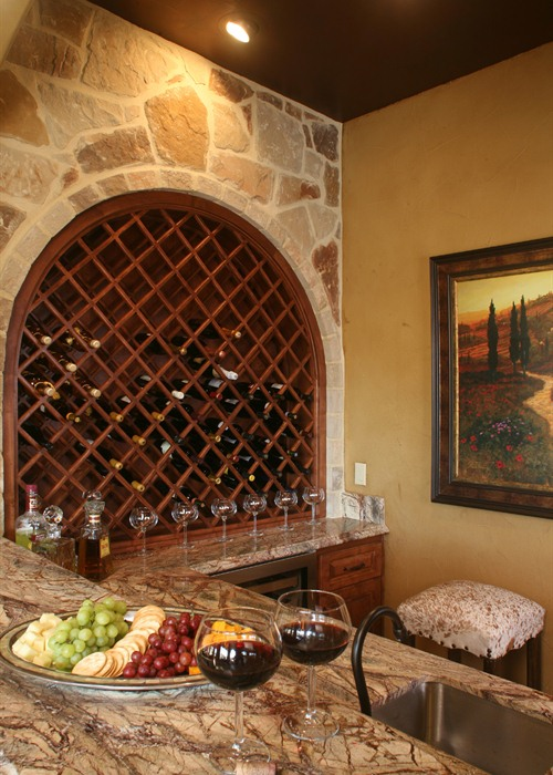 Anaqua Springs Ranch Interior: Bar | Spanish Style Homes by Todd Glowka Builder, Inc.